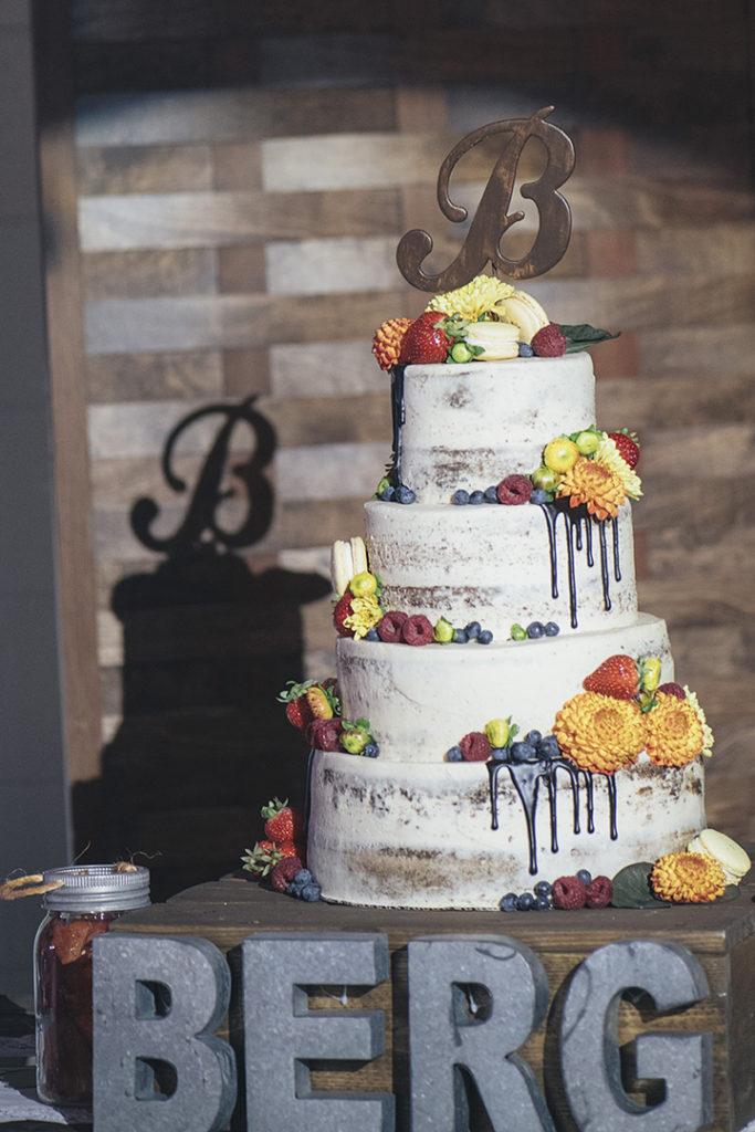 Fall wedding cake.